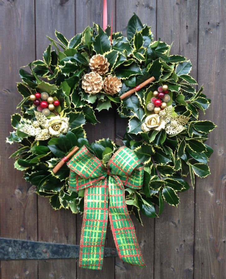 Designer Holly Wreath Gold and Red Tartan