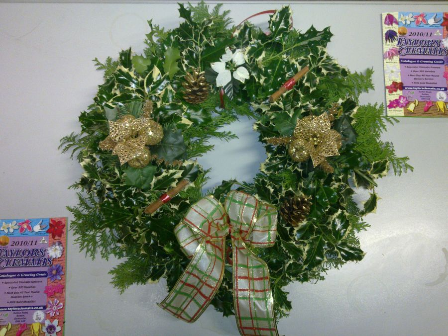 Another gold format wreath