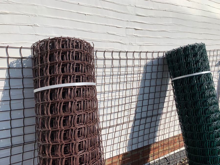 Clematis Mesh, Clematis Netting, IN GREEN OR BROWN BOTH A METRE HIGH